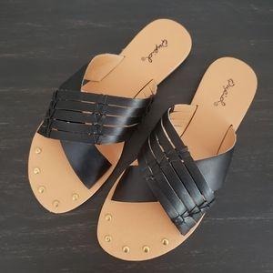 NEW Qupid Archer Sandals